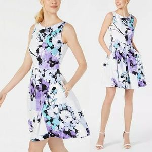 TAYLOR - sleeveless floral fit & flare dress
